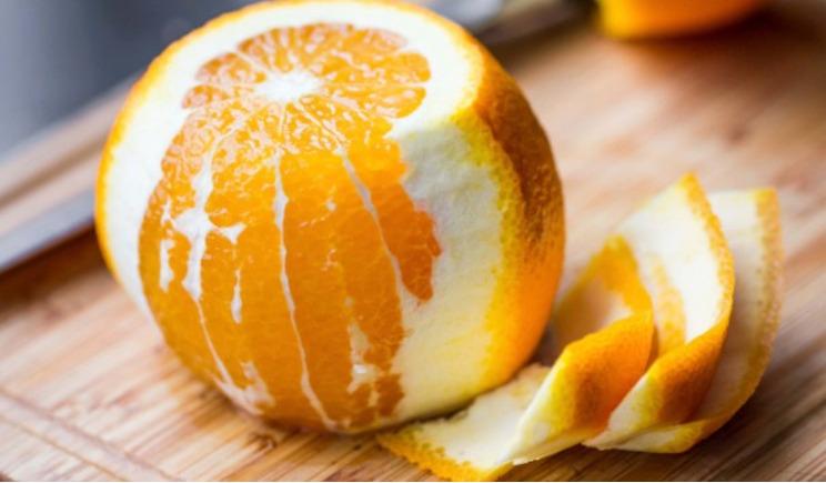 Ripulire i mari dal mercurio con le bucce di arancia