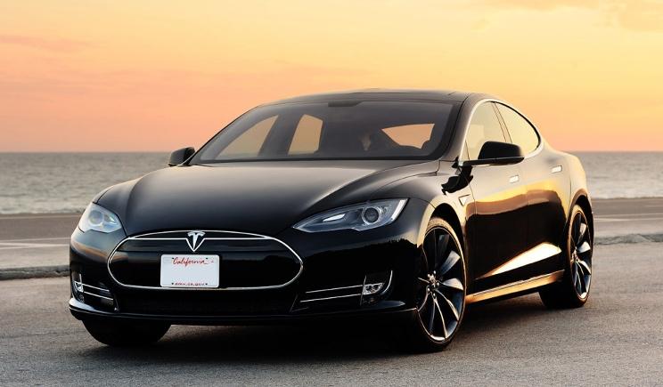 Tesla Model 3: la supercar elettrica diventa popolare