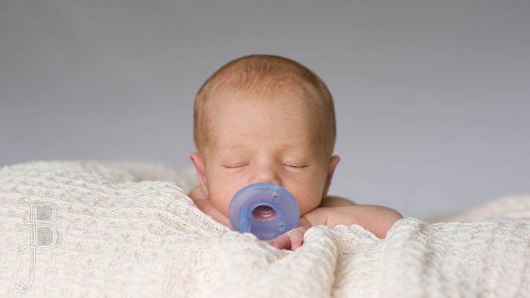 Il ciuccio può essere dato ai neonati? Quali rischi e vantaggi
