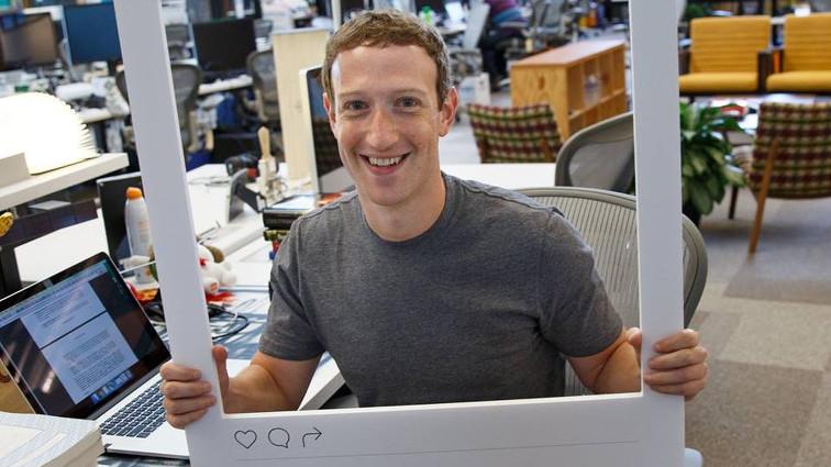 Anche Zuckerberg copre la webcam con il nastro adesivo