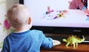 bambini e televisore