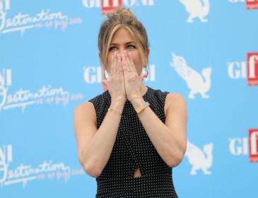 Jennifer Aniston al Giffoni: staccatevi dai telefonini