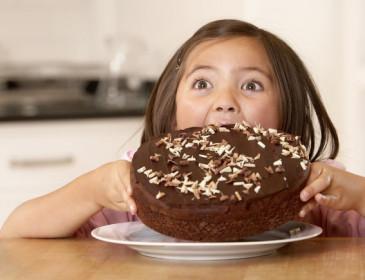 I bambini mangiano più merendine al Nord, ma sono maggiormente obesi al Sud