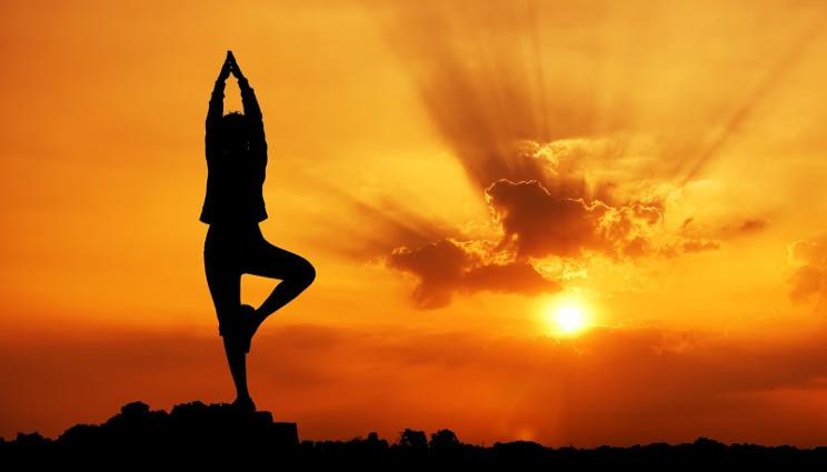 Lo yoga abbassa la pressione