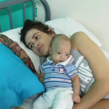 Partorisce in coma e si risveglia al termine del travaglio