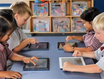 Microsoft lancia una versione di Windows 10 per insegnanti e studenti