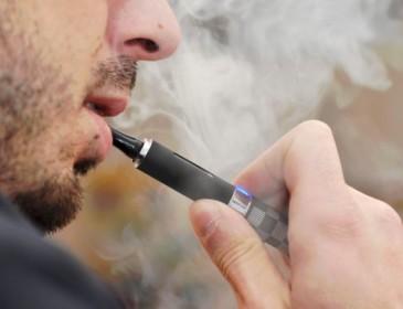 Le sigarette elettroniche potrebbero produrre danni genetici al sangue