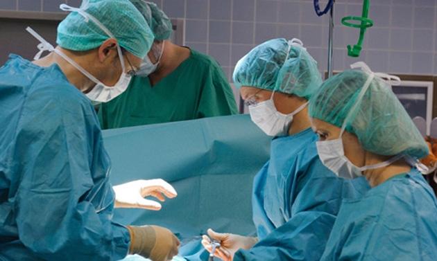 Impiantata protesi all'anca a una bimba di 17 mesi
