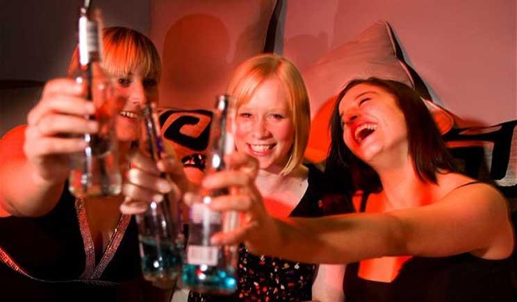 Binge drinking e giovanissimi, l'allarme dei cardiologi italiani