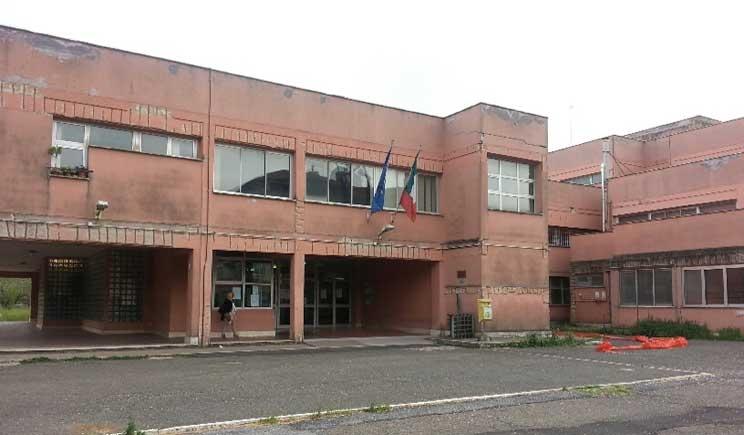 Polemica tra Lorenzin e Marino sull'invio dei Nas nelle scuole fatiscenti