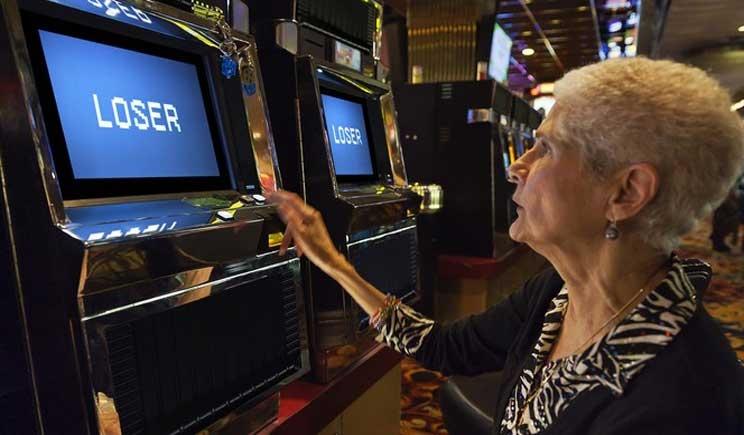 Il gioco d'azzardo costa agli Italiani uno stipendio all'anno