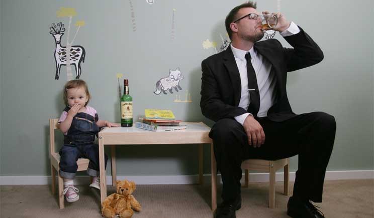L'abuso di alcol del papà danneggia il feto del nascituro