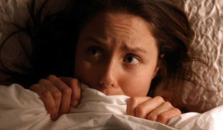 Insonnia e caldo: ecco i cibi che favoriscono il sonno