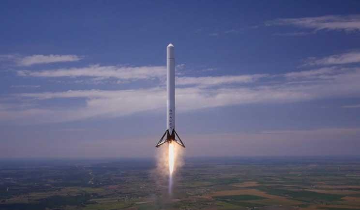 Nasa: il razzo Falcon 9 esplode dopo pochi minuti