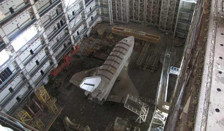 Ritrovati due shuttle sovietici abbandonati in un hangar