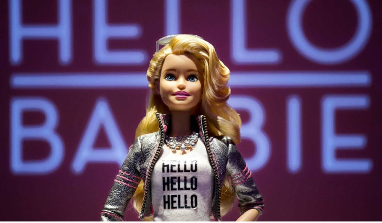 "Barbie diventa ""umana"" e abbandona l'ideale di perfezione"