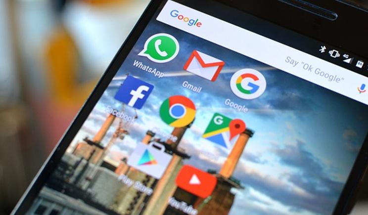 WhatsApp raggiunge un miliardo di utenti, ma senza ricavi