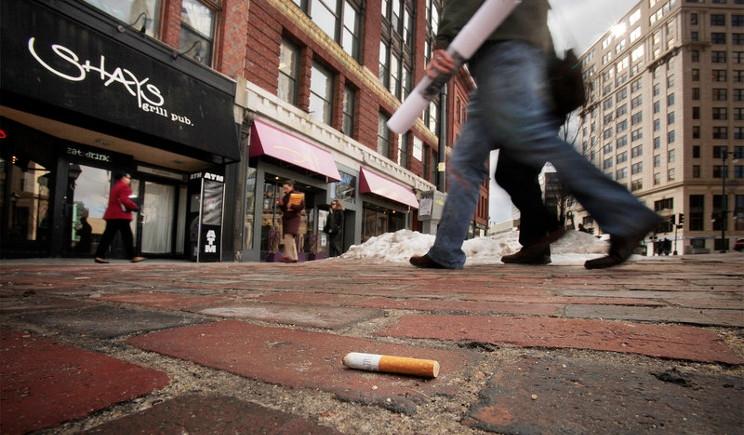 Fumo: da oggi in vigore le nuove norme sui mozziconi