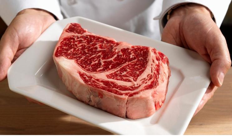 Tumori: carni rosse assolte, ma attenzione alla cottura