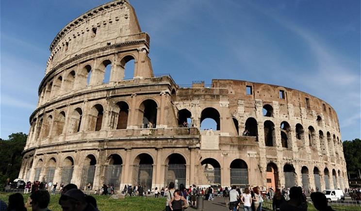 Pasqua di code davanti ai musei italiani