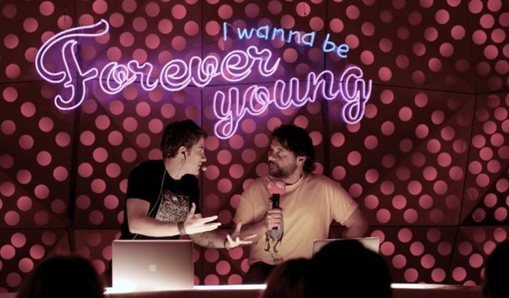 Forever Young: la nuova mezza età secondo Fausto Brizzi