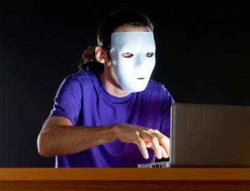 Facebook: il Garante dichiara guerra ai profili fake
