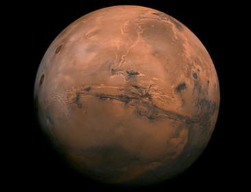 Marte si avvicina alla Terra come non accadeva da 11 anni