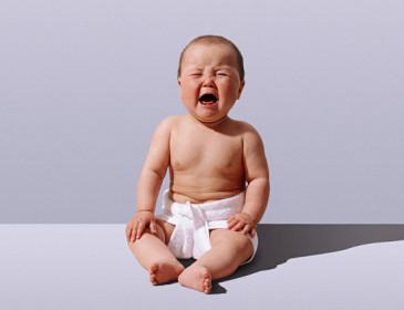 Il pianto dei neonati produce un conflitto nel cervello
