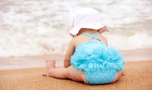 bimba in spiaggia