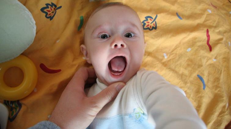 Dentizione: come affrontare l'arrivo dei primi dentini