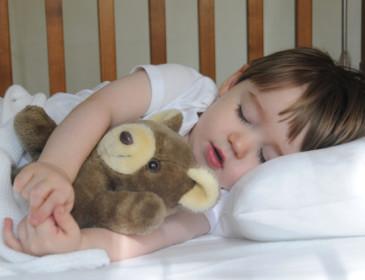 Come mettere a letto i bambini senza traumi e capricci
