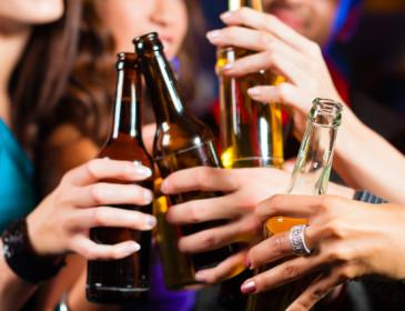 L'alcol potrebbe provocare sette forme di cancro