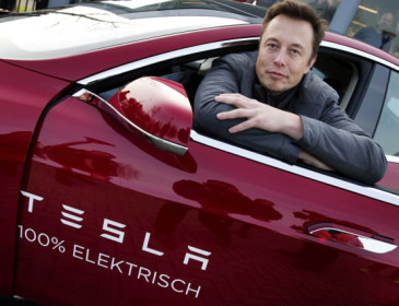 Tesla: Elon Musk annuncia i prossimi progetti dell'azienda