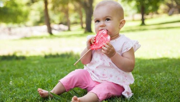 Bambini: niente zuccheri fino ai due anni?