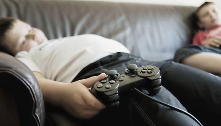 Obesità infantile: è davvero colpa dei genitori che lavorano?