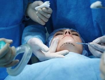 La realtà virtuale offre un supporto in 3D alla chirurgia estetica
