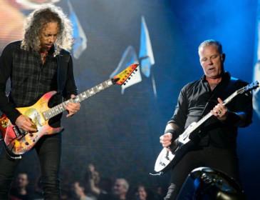 Metallica, nuovo singolo (con maschera) in arrivo per Halloween