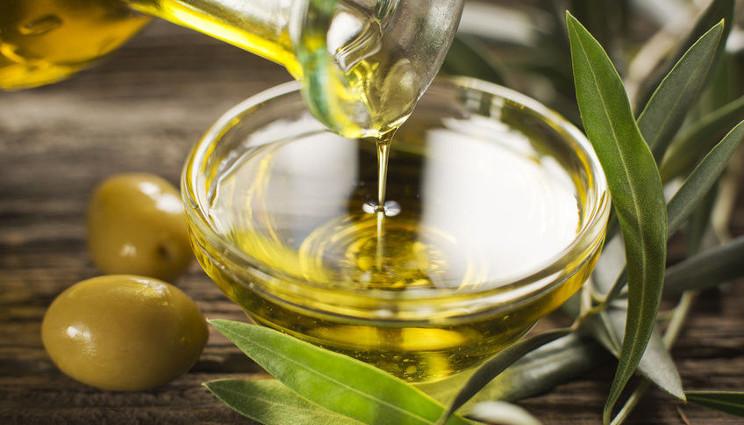 Olio extravergine d'oliva, quale sapore e aspetto deve avere