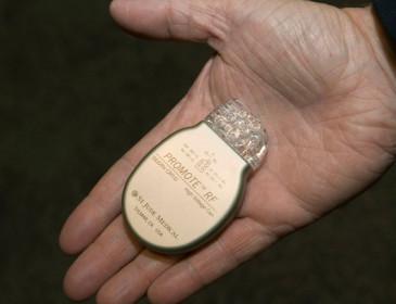 Allarme per una serie di defibrillatori e pacemaker difettosi