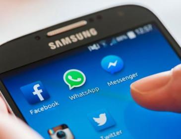Facebook, stop alla condivisione dei dati con WhatsApp