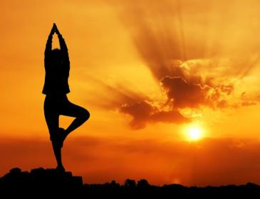 Fare Yoga abbassa la pressione arteriosa