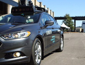 Uber mira alla guida autonoma