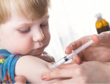 Ancona, la rabbia dei genitori contro chi non vaccina