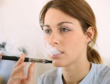 Sigarette elettroniche meglio di quelle tradizionali, ma non del tutto innocue